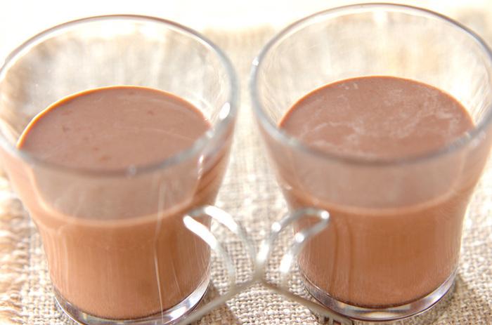 ダイエットにもいいココアに、体が温まる生姜をプラス。冬はもちろん、冷房で体が冷える夏にもおすすめです。こちらは砂糖を加えていますが、たとえば糖質の少ない希少糖やエリスリトールなどにするのもいいかも。