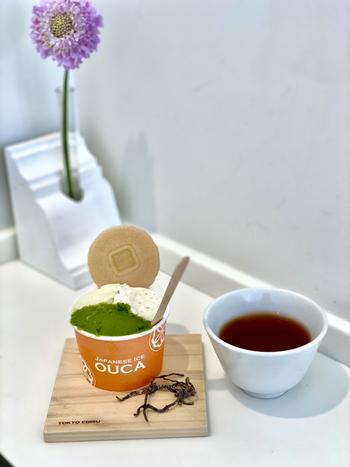 定番の抹茶をはじめ、西瓜やメロン、蜂蜜レモンなどのシャーベットも人気で、カップのサイズに合わせて3~4種類選ぶことができますよ。限定フレーバーに出合ったら、ぜひ食べてみてくださいね。