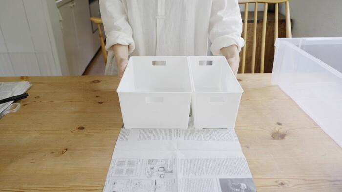 収納ボックスは、サイズを事前にメモするのではなく、衣装ケースのサイズに新聞紙をカットしていくんだとか!型紙を店に持って行けば、その場で収納ボックスの組み合わせ方を決められますね◎ 家具や家電など、いろいろな場面で使えるアイデアです。