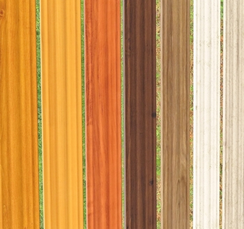 一言でウッドブラインドと言っても、カラーが変わると印象も大きく変わります。特に大きな窓に取り付ける時には、ブラインドの占める面積が広くなるので、お部屋の印象に大きな影響を与えることに。同じ色でも、縦型、横型で印象が変わると思うので、イメージを膨らませてしっかりと検討しましょう。もちろん窓枠の色との相性もチェックしてくださいね。