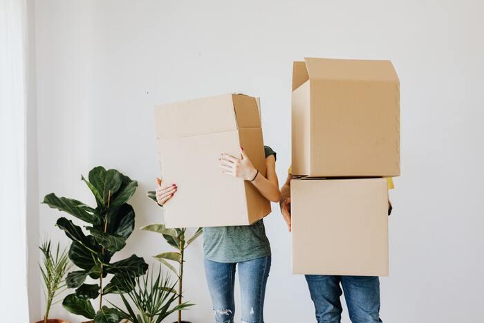 リノベーションは、プランの打ち合わせ、建物検査、設計、工事など、通常の引っ越しよりも入居に時間がかかります。解体後に修繕が必要な箇所が追加で見つかった…なんてことも起こりうるので、入居までの時間は少し余裕をもっておいた方がベター◎