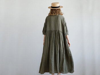 今買い足すならどんな服?〈夏→秋〉に使えるファッションアイテム