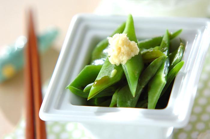 さっと茹でて、生姜醤油でいただく、シンプルを極めたレシピ。モロッコいんげんのグリーンが鮮やかで瑞々しい。さっぱり爽やかな口当たりです。