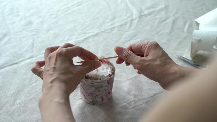 飾る場合は、芯を切らずに、竹串などで巻いてもかわいいです。