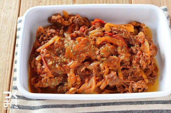 フレッシュトマトを使って煮込むと缶詰のトマトとは違った軽やかでさっぱりとした仕上がりに。肉の臭みが気になる場合は、牛乳に浸してみてください。時間がたつと味わいが変わるので、多めに作って作り置きにしてもいいですね。