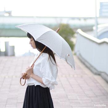 日差しが気になる季節に。大人に似合う「おしゃれ日傘」カタログ