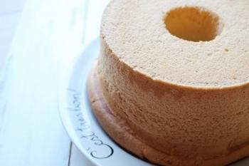 塩味が癖になるシフォンケーキ。しっとりととろけるような柔らか食感がたまりません。