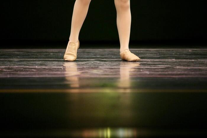 バレエと勉強を両立させなければいけない、本当に夢を実現できるか、家族と離れて生活できるのかなど、少年が夢と現実の狭間で揺れ動く姿が美しく描かれています。勇気を貰える感動作です。