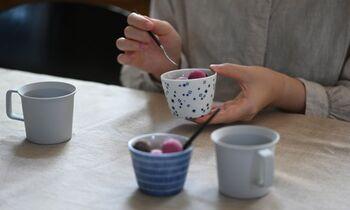 ヨーグルトやプリン、アイスなどを盛り付けるデザートカップとしても◎一人分にちょうど良いサイズです。お茶やコーヒーを入れるカップにするのもおすすめ!食事の時もおやつ時も、フル活用できますね。