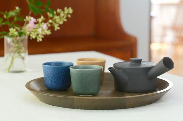 お茶を入れる湯のみにしても◎お茶が冷める前に飲み切れるのが嬉しいポイント。お茶の美味しさをしっかり味わえますね。日本酒を注ぐ酒器として使うのもおすすめ。
