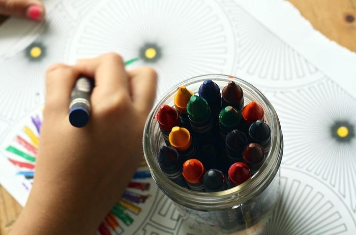 100円で始められる大人の塗り絵。芸術の秋に気軽に始められるアートとして、チャレンジしてみませんか?配色や塗り方など、色々工夫してみてくださいね。