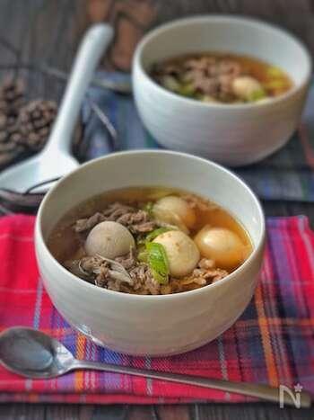 トランタンとは、韓国で秋のお盆に家庭で食される里芋スープのこと。韓国料理には珍しく辛みがなく、優しい味わいを楽しめます。 昆布と柔らかな里芋の組み合わせは、夏の疲れた胃腸を休ませてくれそうです。