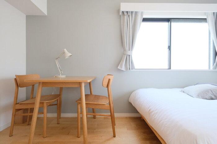 無印良品のオーク材家具を組み合わせたダイニングセット。シンプルですが、洗練されたデザインでおしゃれ!組み合わせることでさらに魅力がアップしています。