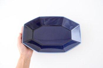 カラーも小鉢と同じく、深い色合いが特徴のブラウン、クールなブルーや、シックなグレーの3色展開なので、小鉢とあわせて使用するのも素敵です。