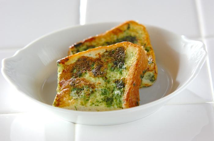 ほうれん草の葉先を使ったフレンチトーストなんてどうでしょう。こちら、やわらかく茹でたものをさらにすりつぶして使うので、あまり野菜っぽくないまろやかな食感にできあがります。仕上げに粉チーズを追加しても美味しいです。