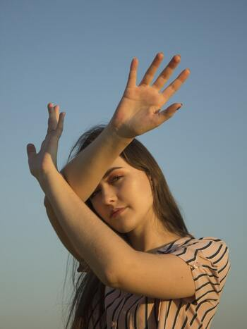 毎日少しずつ!がんばらない「二の腕痩せ」の習慣づくりとセルフケア