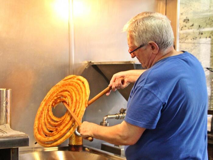 サックサクを召し上がれ♪スペイン風「チュロス」の簡単美味しい作り方