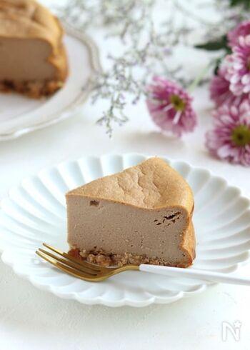 余りがちな市販の粉末ミルクティーを活用したチーズケーキ。生クリームの代わりに絹ごし豆腐を使ってなめらか&ヘルシーに。