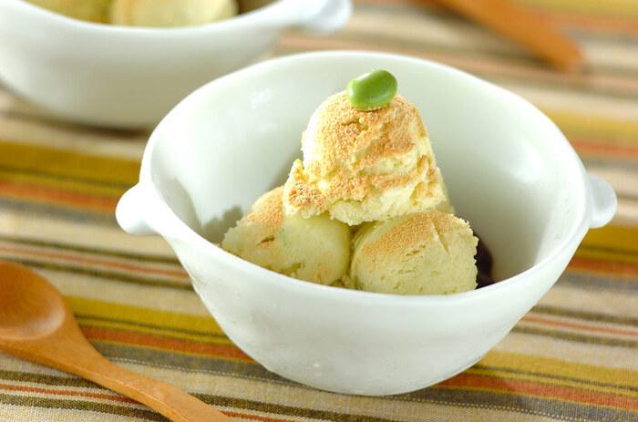 市販のバニラアイスを使って簡単に作れるずんだアイス。枝豆の可能性が広がるレシピですね!そのまま食べるのはもちろん、他の食材と合わせてパフェなどにアレンジしても◎