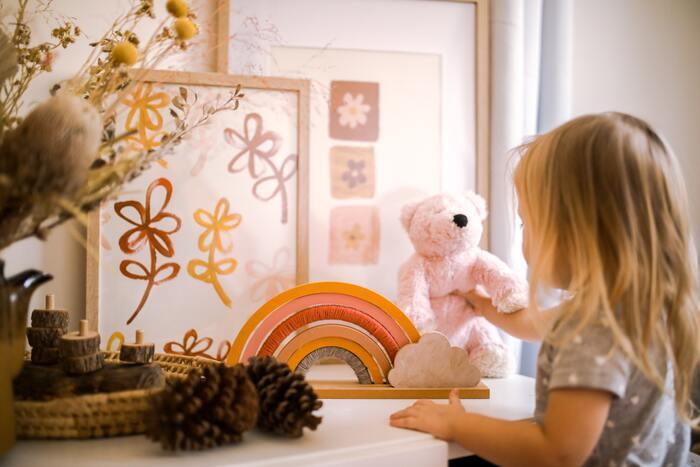2歳の誕生日プレゼント、何を選ぶ?子どもが夢中になるおすすめ12選