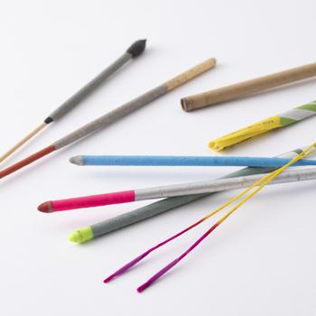 発色や火花の出方が異なる8種類9本の花火がセットになったうれしい詰め合わせ。花火大会のプログラムのように順番に火をつけ、一本一本異なる美しさを堪能するのはいかがでしょうか?