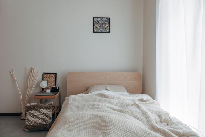 より良い睡眠のためには、眠くなってから寝室に行くのがベストだと言われています。就寝するよりも前に、寝室の温度などを快適に整えておけば、眠くなった時にすぐ床に就くことができますね。