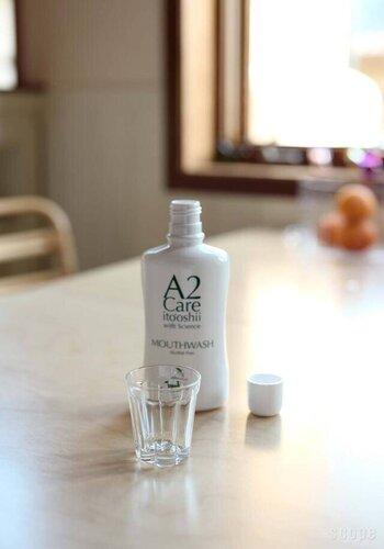 アルコール不使用で、ミントやハッカなどの香料も使用されていない低刺激の「A2care」のマウスウォッシュ。無味無臭で香り、刺激はほとんど感じることなく、味もほぼないため、まるで水でうがいをしているようなナチュラルさ。そのため家族みんなで愛用できます。