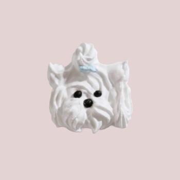 絞り方や配色次第でいろんな犬種がデザインできます。こちらは、ヨークシャーテリア。マルチーズやミニチュアシュナウザーなどもかわいいですね。 ※写真はメレンゲを使ったブローチですが、デザインの参考に。