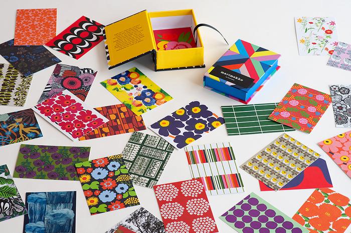 マリメッコのポストカードは、50枚入りと100枚入りがあります。バリエーションが豊富なので、どれを使おうか迷ってしまいそう。  プレゼントに添えたり、お世話になった人へのお礼のメッセージを書いたりするときに使えば、色々なシーンに華を添えてくれますよ。
