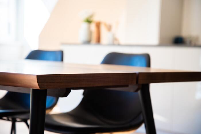 さっぱりをキープしよう!「テーブルへのちょい置き」を防ぐ12の対策