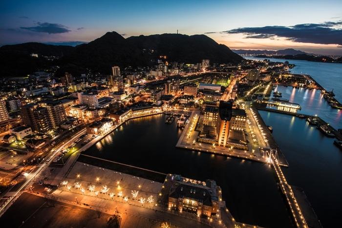 夜になるとそれぞれの建物で明かりが灯り、ロマンチックな夜景が楽しめますよ。