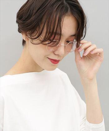 クールな印象?やさしい印象?「女性のサングラス着用スタイル」集めました*