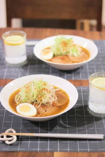 白髪ねぎどっさりラーメンは、ねぎ好きにはたまりませんね!さっぱりとしたねぎと、濃厚なスープがよく合います。