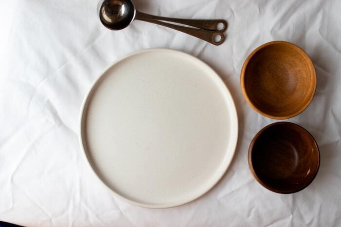 お気に入りなら一緒に並べよう。和食器×洋食器の自由で素敵な組み合わせ方