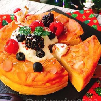 小麦粉も砂糖もなしの低糖質。安納芋やピザチーズで手軽に作れるチーズケーキです。お好みでフルーツをトッピングして可愛くデコレーションしましょう