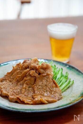 味付けはうなぎのタレのみ!簡単に出来るので遅くなった日の夕食にも◎。豚肉だけでなく鶏肉や牛肉など、お好みのお肉の味付けにもおすすめですよ。