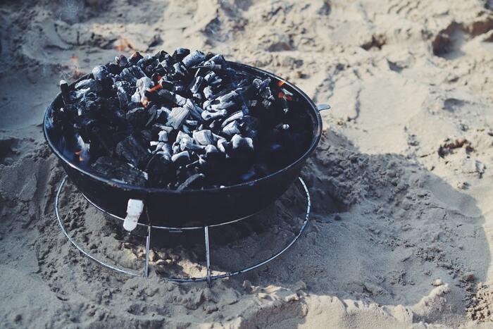 【焚き火料理の基本・道具・レシピ特集】コツを掴んでソロキャンプ大満喫!