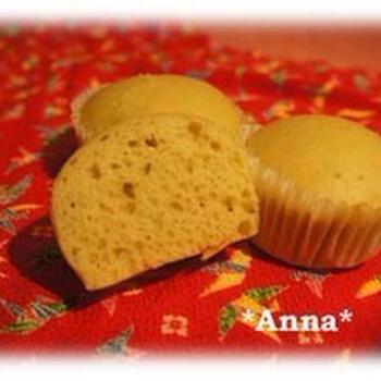 ホットケーキミックスを使った、ボウル一つで仕上げられる蒸しパンは、カルピスの甘味とふわふわの食感で思わず笑顔になれる一品。蒸したても、冷えても楽しめます。小さなお子様のおやつにもおすすめです。