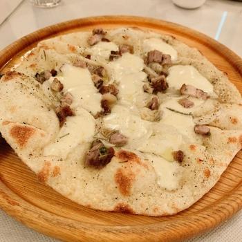 メインはパスタまたはピッツァ。どちらも選べる種類が豊富なのがうれしいですね。コースによってサイズが異なるので、たっぷり食べたい方は、フルサイズのAコースがおすすめです。