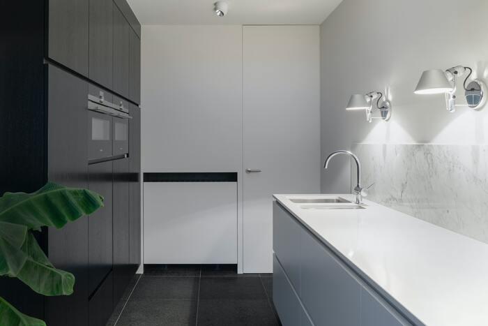 【キッチンの壁面収納】おしゃれ&スッキリ暮らすアイデア集