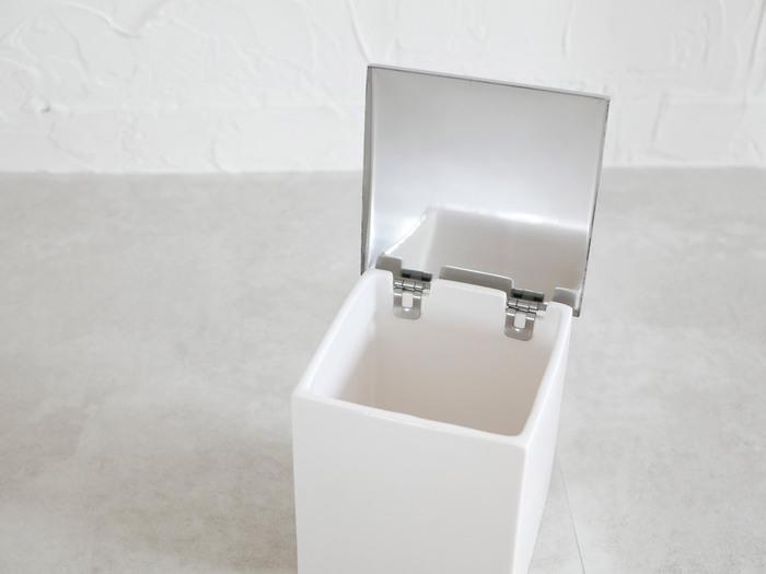 フタが取り外し可能で、汚れてもポットの中を簡単に洗うことができるので、いつでも清潔に保つことができます。