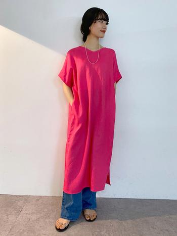 夏は派手めな色に挑戦♪ こんなに華やかなピンクもしっくり似合うのがウィンターさんの特徴です。ピンクの他にも、紫系の色も得意ですよ。逆にオレンジ系は避けるのが○
