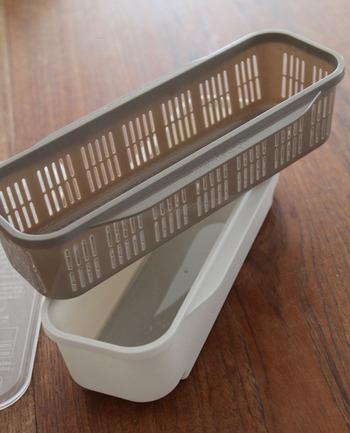 パスタを作る際、鍋でお湯を沸かして茹でるのが意外と面倒ですよね。そんなときに役に立つのが、こちらのパスタメーカー。容器に水とパスタを入れてレンチンするだけで、ちょうどいい茹で上がりに。水量や加熱時間は、全部フタに書いてあるので迷わずに作れますよ。