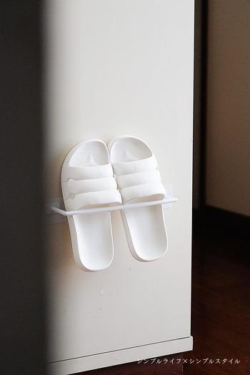ヘタりにくい素材で、インソール部分が足にフィット。フリーサイズのホワイト・ブラックの2色展開です。