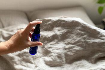 森林浴、ラベンダー&ハーブ、フローラルから選べる100%天然由来成分のピローミストです。快眠セラピストの三橋美穂さんが監修した香りは、「寝つきが悪い」「眠りが浅い」といった悩みを解消してくれますよ。
