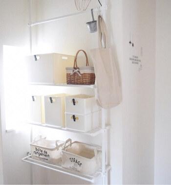 ニトリのNインボックスも、収納に人気のアイテム。広いスペースを仕切っての洗剤収納にもおすすめです。