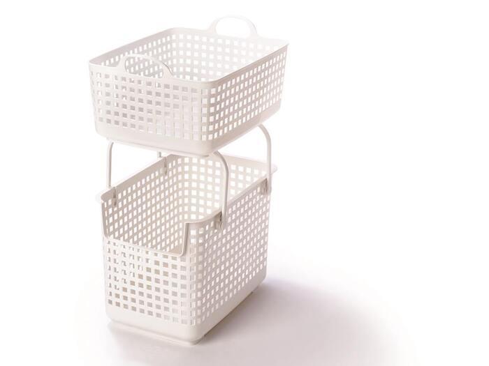 スタッキングができる便利なバスケット「スタッキングベース」。同シリーズのスタッキングトップと組み合わせれば、スタッキングして使用することが可能。洗濯物を上下で仕分けできるので、とっても機能的。1つ分の置き場所で2つのバスケットを使用できるから省スペースです。