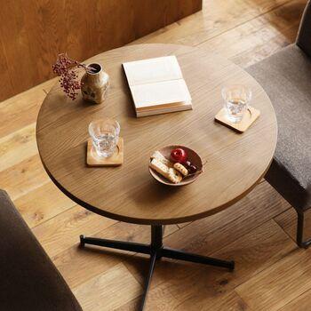 カフェでよく見かける、1~2人掛けにちょうど良い丸テーブルです。直径70cmのテーブルは、ゆったりお茶の時間を楽しんだり、パソコンを置いて仕事したりするのにぴったり。