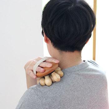 こりやすい肩や背中には少し力を入れても気持ち良さそうです。手のマッサージや頭部のマッサージもできるので、気になる所を気軽にほぐせます。