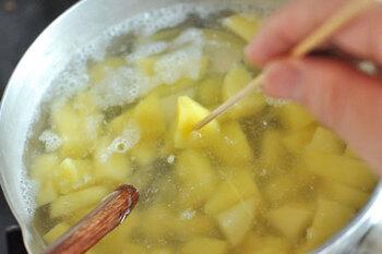 美味しい「ポテトサラダ」を食卓に。基本の作り方とプロのレシピ